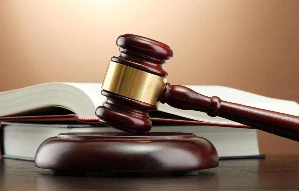 Обеспечение судом адвоката осужденному при ознакомлении с уголовным делом ним