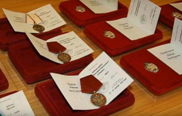 Ветеран труда: как получить звание в 2020 году, требуемые документы