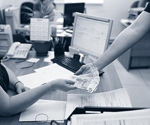 Лайфхак: как быть, если работодатель не выплачивает зарплату?