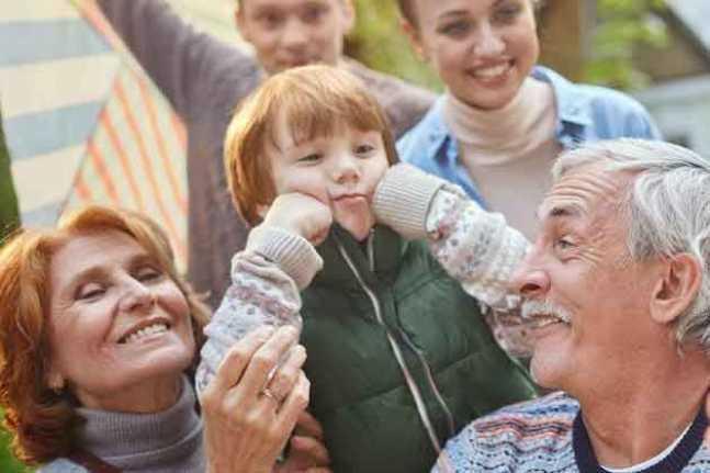 Как оформить доплату к пенсии за детей?