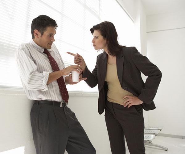 Принуждение к увольнению: признаки, порядок действий, наказание