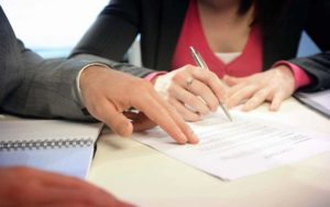 Как поменять фамилию после развода