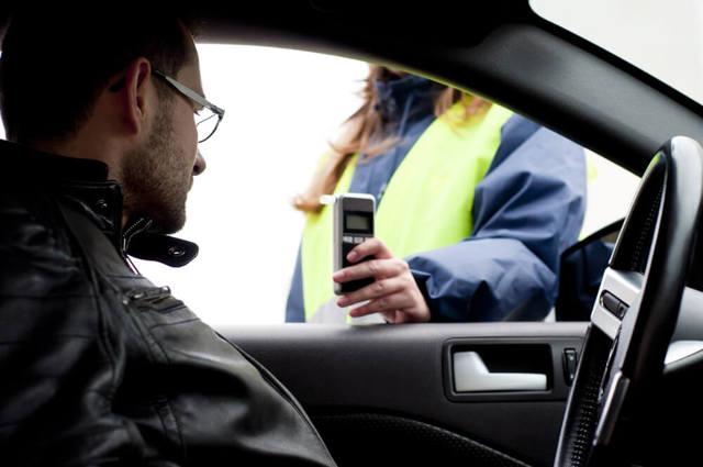 Помощь при лишении водительских прав — за что и на какой срок вас могут лишить водительского удостоверения в 2020 году? таблица сроков лишения.