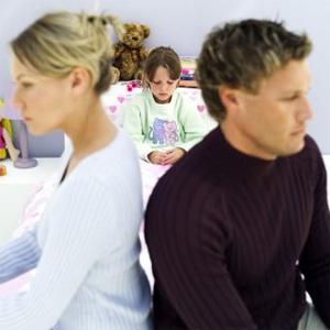 Условия и особенности смены фамилии ребенка после развода
