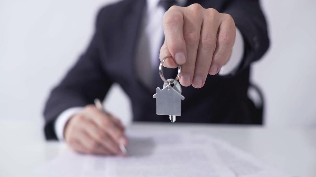 Договор дарения: можно ли и как сделать отмену дарственной на квартиру при жизни дарителя?