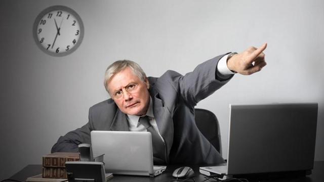 Незаконное увольнение работника: какой срок подачи обжалования, куда обращаться, образец искового заявления в прокуратуру, признание ответственности по решению суда