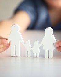 Какие выплаты и пособия положены при усыновлении ребенка?