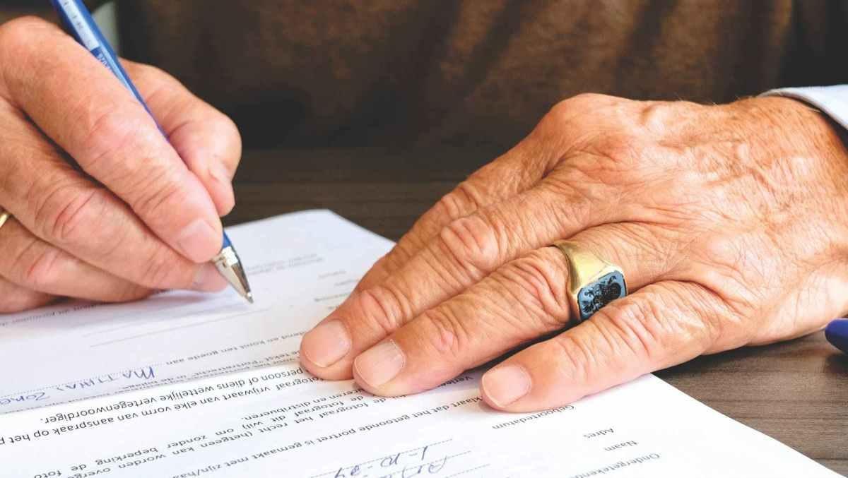 Завещание или наследственный договор: что выгоднее