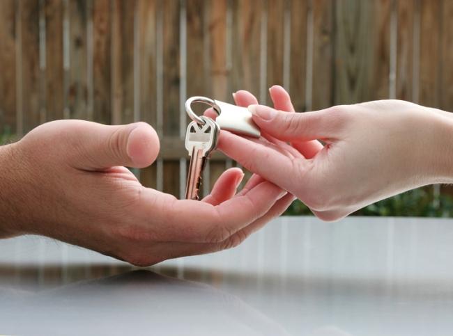 Как при разводе делить однокомнатную квартиру