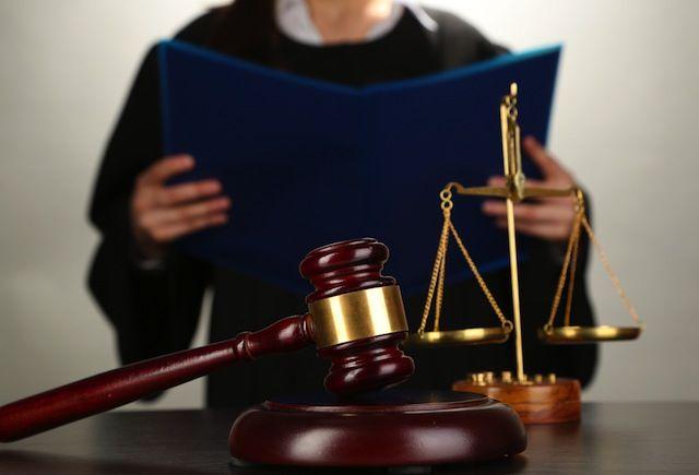 рассмотрение отказа от отцовства судом