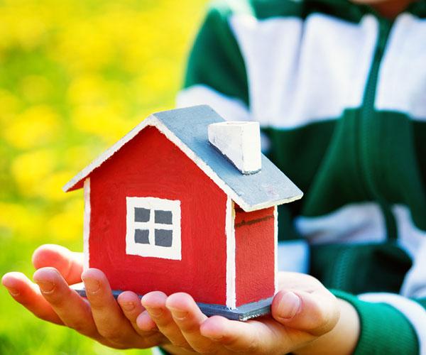 Порядок перехода права собственности на дарственную квартиру после смерти одаряемого