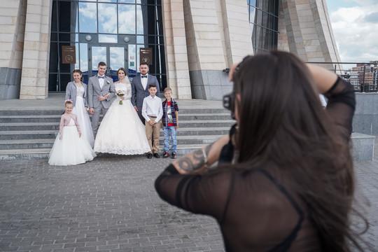 Кабмин обсудит снижение брачного возраста в россии