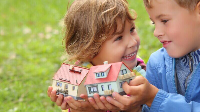 Как несовершеннолетнему ребенку вступить в наследство