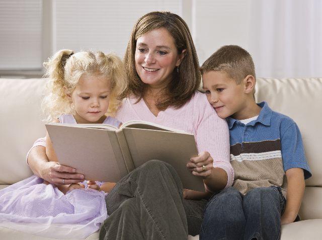 Каким образом можно выписать несовершеннолетнего ребенка из квартиры? что нужно, чтобы прописать в другой?