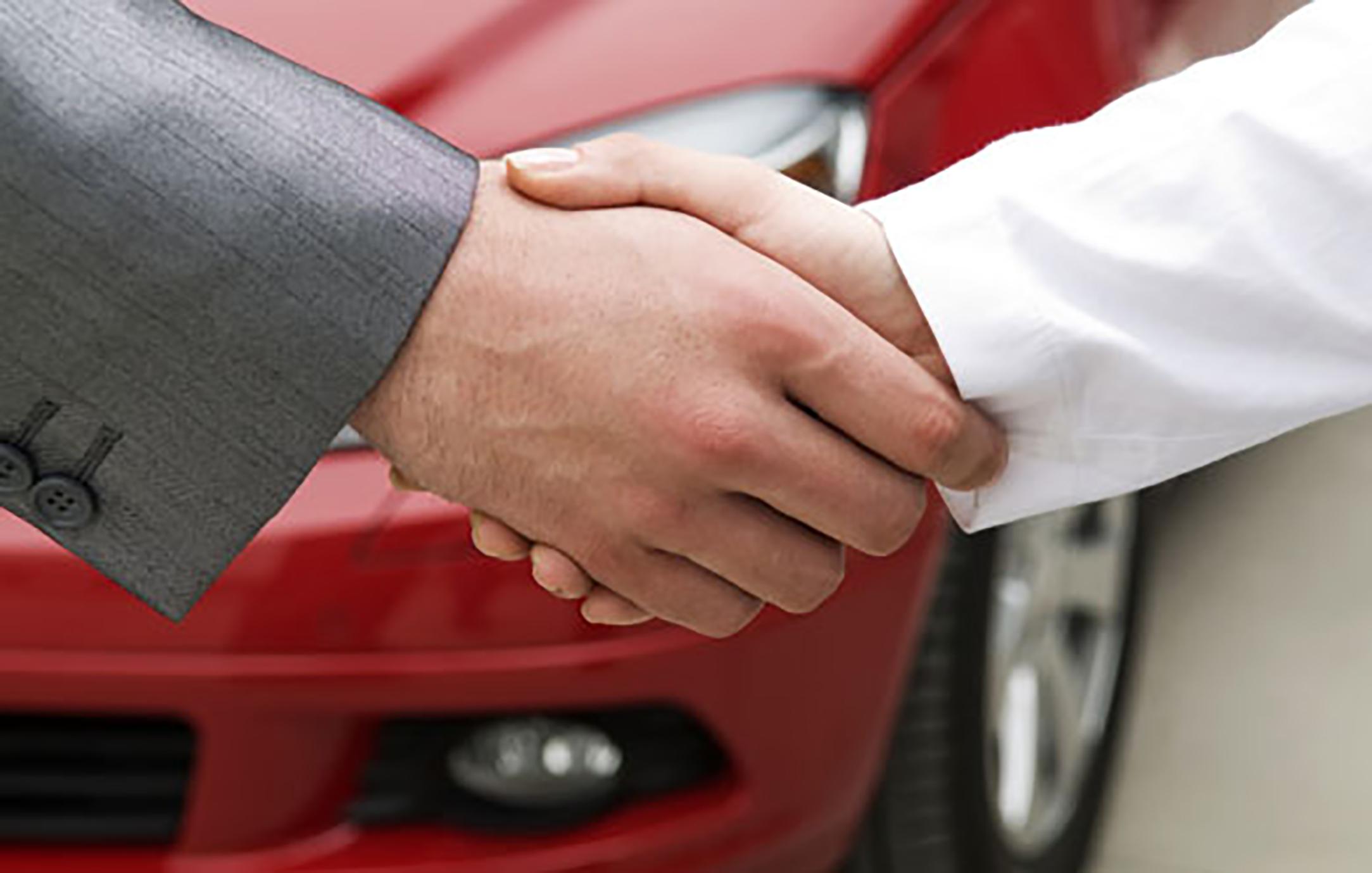 Продажа машины по наследству: как реализовать доставшееся авто, как оформить полученное тс, если более двух владельцев долей, можно ли до вступления в права?
