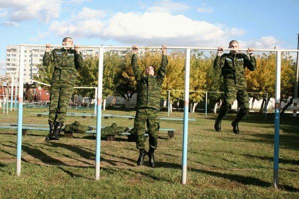 Повышение новых выплат за выслугу лет военнослужащим по контракту в 2020 году