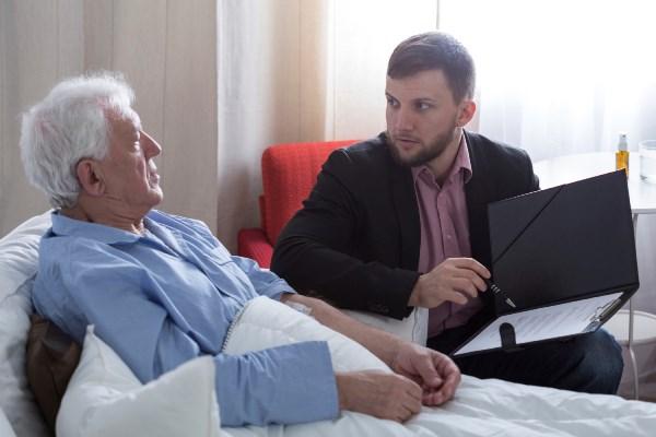 Права инвалидов на наследство: как быть, если наследник недееспособный и какова в таком случае роль опекуна в наследовании имущества?