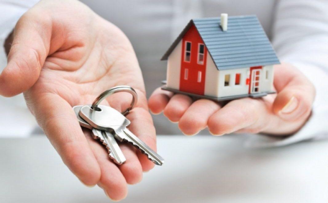 Дарение, купля-продажа или наследство: как лучше передать квартиру родственникам?