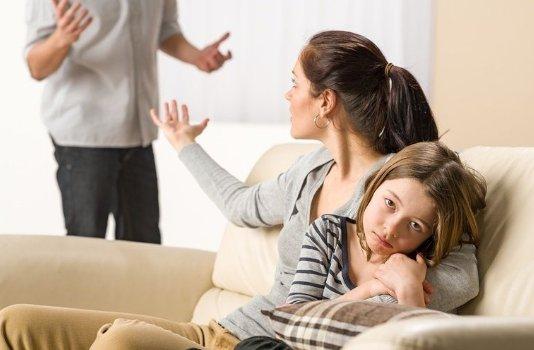 Что делать, если бывший муж не платит алименты и при этом он нигде не работает?