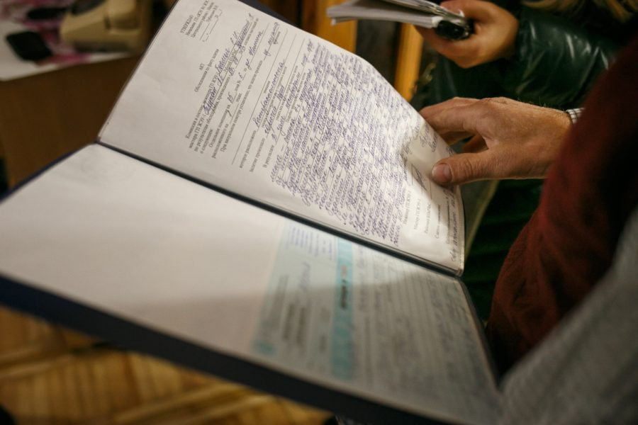 Образец иска в суд на жкх – как правильно написать заявление?