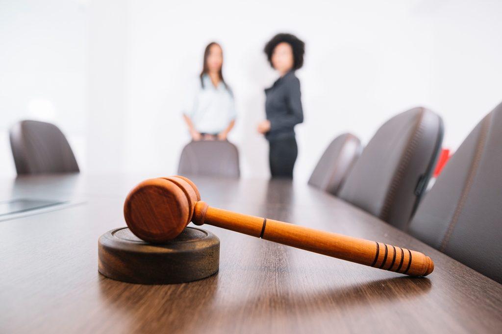 Лишили родительских прав: надо ли платить алименты