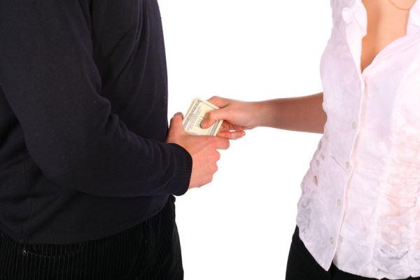 Как заставить платить алименты бывшего мужа: куда обращаться, если живет в другом городе