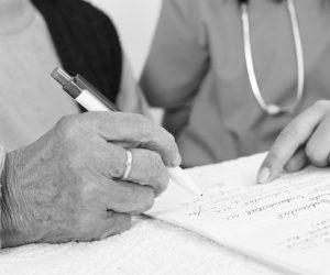 Договора дарения квартиры с правом пожизненного проживания дарителя: особенности и образец