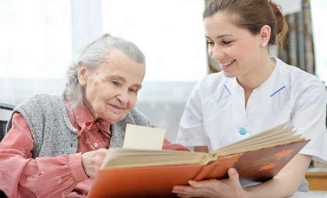 Опекунство над пожилым человеком до и после 80 лет