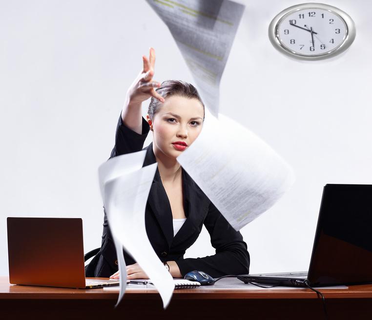 Можно ли уволиться без отработки двух недель и как законно это сделать