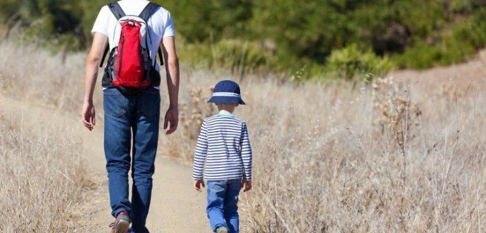 С кем останется ребенок после развода: как решить вопрос мирно и через суд