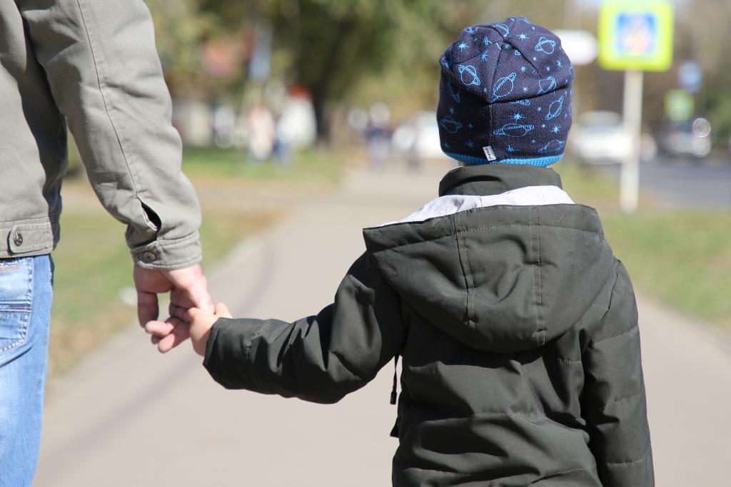 Опекун и попечитель: в чем разница, права и обязанности, до какого возраста