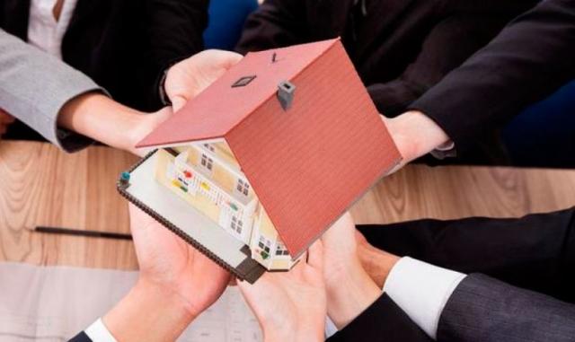 Как осуществляется наследование доли в приватизированной квартире после смерти владельца? регистрация права собственности