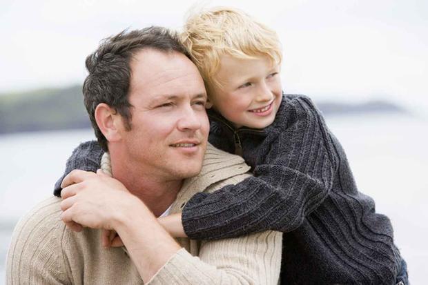 Как при разводе отсудить ребенка у жены или мужа: можно ли забрать, а также определение места его жительства при расторжения брака и образец соглашения супругов