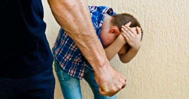 Причинение вреда здоровью несовершеннолетнего: легкого, тяжкого и умышленного в отношении ребенка или детей, а также ответственность за это