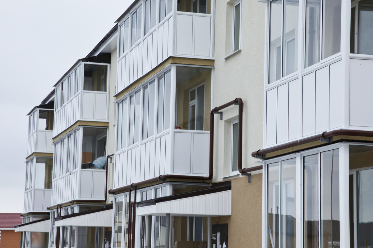 Можно ли курить на балконе своей квартиры по новому закону 2020