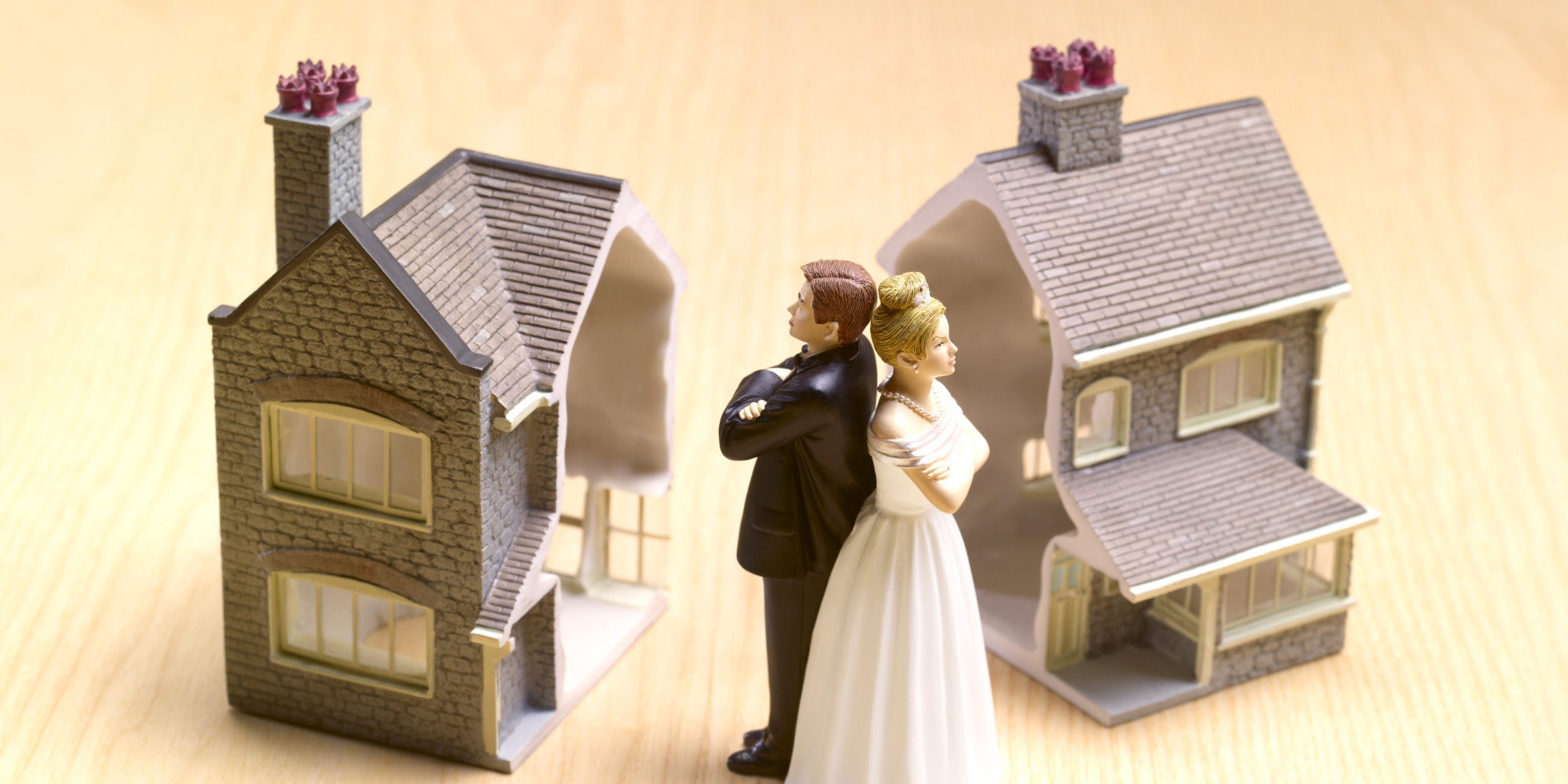 Раздел наследства между женой и детьми умершего: права сторон, особенности и оформление.