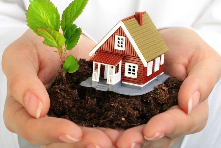 Что лучше дарственная или завещание на дом и землю