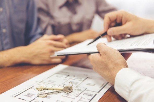 Как оформить квартиру в собственность после покупки: документы для регистрации недвижимости, а также советы, как правильно переоформить лицевой счет в дальнейшем