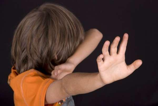 Сколько лет дают за избиение несовершеннолетних? наказание или уголовная ответственность: что можно отнести к побоям ребенка и какой будет срок за истязание детей?