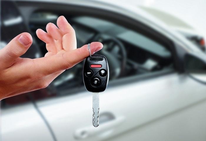Можно ли продать машину, полученную по наследству, не оформляя на себя, и как это сделать?