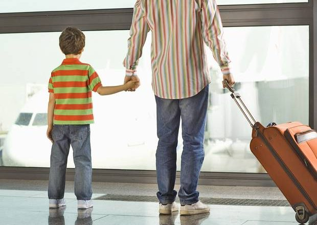 Легко ли снять запрет на выезд ребенка за границу?
