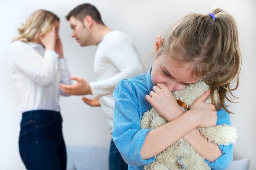 При разводе с кем остается ребенок если мать не работает