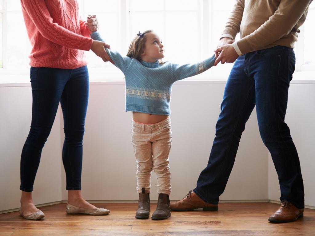 Порядок общения с ребенком без развода и после него