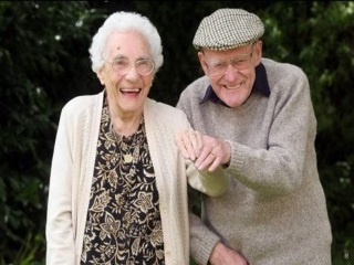 Доплата к пенсии за 30 лет совместной жизни супругов в 2020 году - закон, москва, образец, таблица