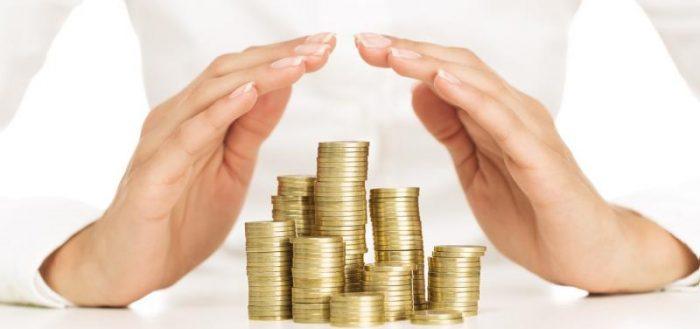 Наследование денежных вкладов, в том числе банковских, в случае смерти вкладчика: особенности получения по закону в наследство завещанных средств, которые хранятся в банке