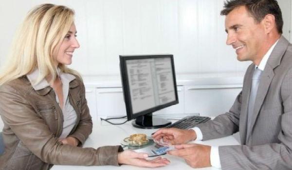 Кто платит сотруднице декретные выплаты: работодатель или государство?