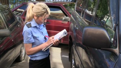 Банк хочет забрать машину за долги по автокредиту: что делать?