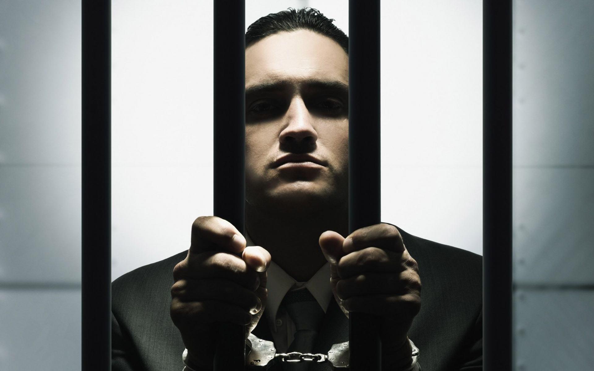 Муж сидит в тюрьме. как с ним развестись, если принято такое решение?