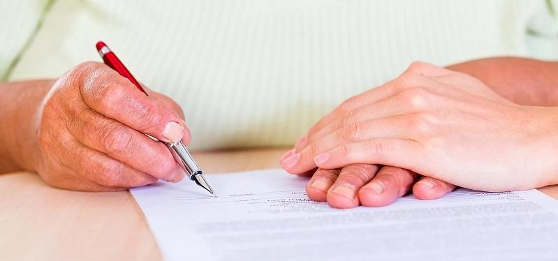 Как получить вклад в банке после смерти вкладчика: порядок и нюансы наследования