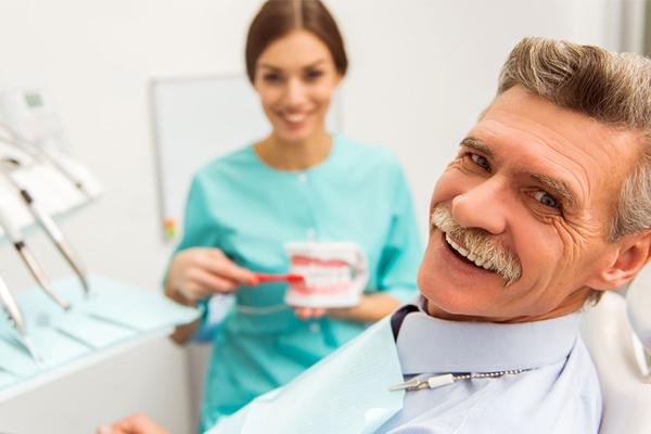 Льготы ветеранам труда в 2020 по стоматологии году в москве